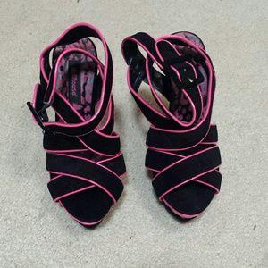 Dollhouse heels NWOT